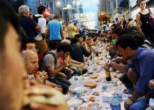 83% жителей Турции соблюдают пост