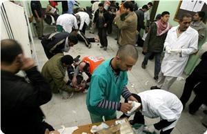 """Пока палестинцы молились, """"Израиль"""" бомбил мечеть: 18 убитых, десятки раненых"""