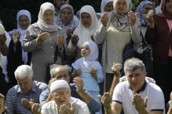 В Боснии хоронят жертв Сребреницы