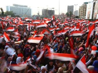 """Египтяне """"отпраздновали"""" инаугурацию президента групповыми изнасилованиями"""