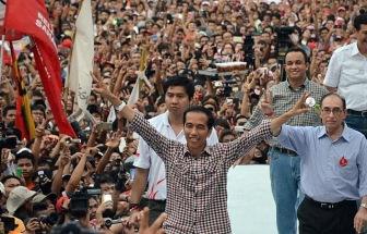 На выборах в Индонезии побеждает мэр Джакарты