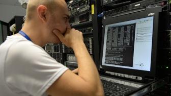 Генпрокуратуру и МВД попросят проверить «пятую колонну» в интернете