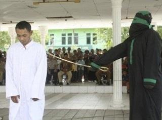 Шариат возвращается в систему наказаний Индонезии