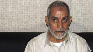 """В Египте суд заменил лидеру """"Братьев-мусульман"""" казнь на пожизненное заключение"""