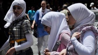 Вы все еще носите хиджаб в вузах? Тогда мы идем к вам!