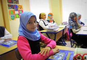 В школах Мордовии мусульманкам запрещают носить платки