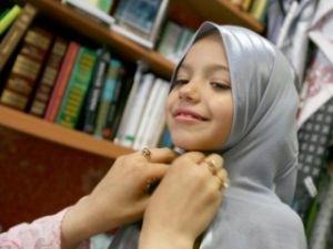 Учителя волнуются - количество учениц в хиджабах увеличилось