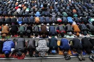 В Москве и Петербурге Ид-намаз совершили около 250 тысяч мусульман