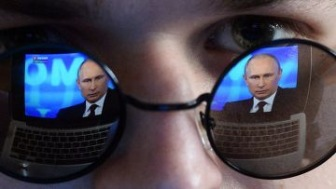 Россия сама создает параллельную реальность и живет в ней