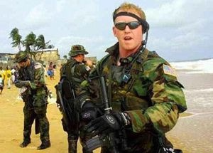 Имя застрелившего бен Ладена морпеха назвала The Daily Mail