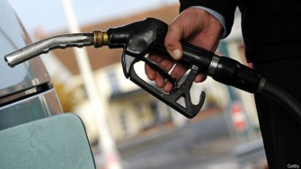 """Обобрать до нитки""!? Госдума одобрила резкое повышение цен на бензин"