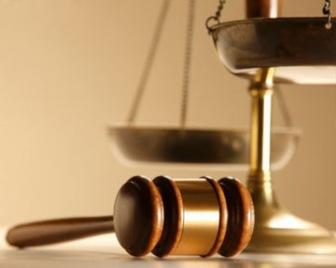 Девушка в хиджабе выиграла дело в суде