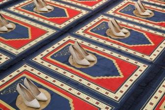 Инсталляция из продырявленных намазлыков смутила парижан