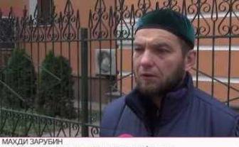 Начальника охраны Исторической мечети Москвы избили на глазах у посетителей ТЦ Отрада