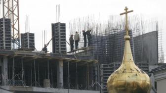 Мусульманам опять ничего. Зато новую Москву застроят 150 церквями