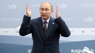 Путин разглядел «цветные технологии» на улицах и в соцсетях