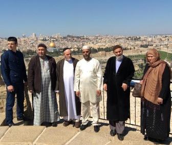"""Участники """"Марша мира""""  проделав путь по Кавказу, завершили свою миссию в Иерусалиме."""