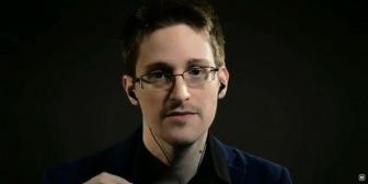Сноуден: За вами следят даже через вебкамеры