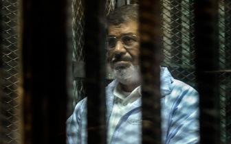 В Египте возобновляется суд над Мухаммадом Мурси
