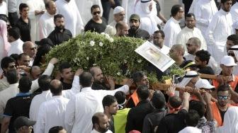 Тысячи людей проводили в последний путь жертв теракта в Саудии