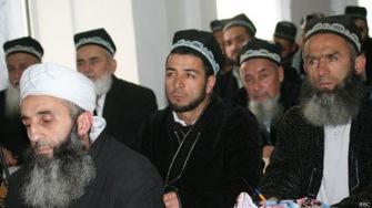 Борода и хиджаб - признаки радикализма в Таджикистане?