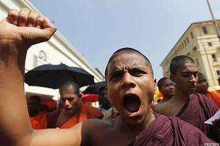 Буддисты требуют запретить хиджаб и курбан в Мьянме