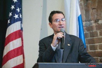 Генконсул США пригласил мусульман на ифтар к себе домой