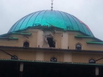 В Соборной мечети Донецка снаряд пробил стену