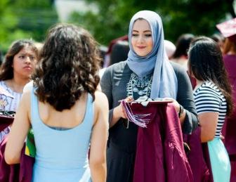 Мусульманку в хиджабе признали самой стильной ученицей школы в Нью-Джерси