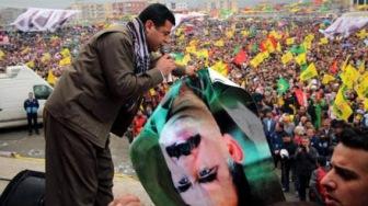 """Лидер """"партии курдов"""" между молотом и наковальней"""