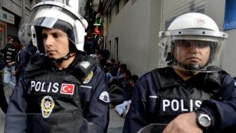 Возле полицейского участка в Турции взорвана бомба с 2 тоннами взрывчатки
