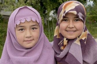 В школах Киргизии запретили хиджаб