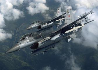 Турецкие друзья по интернет-переписке говорят, что турецкая армия воюет не с курдскими, а с армянскими сепаратистами