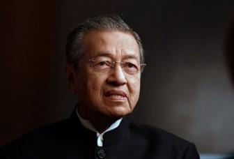 Махатхира допросят за критику правительства