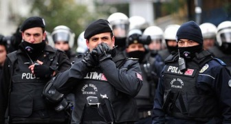 В Турции в результате очередного нападения погибло двое полицейских
