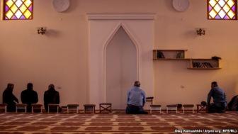 Россия объявила крымских мусульман «экстремистами» и отправила в хадж