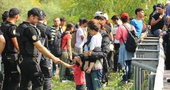 Турция не пропускает в ЕС и расселяет беженцев
