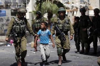 Больше сотни детей находятся в заключении в тюрьме Израиля