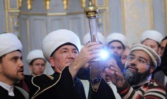 """Для мусульман пытаются создать аналог почитания """"святых мощей""""?"""