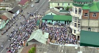 В Махачкале начался захват мечети на Венгерских бойцов