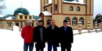 Глава ДУМ Азиатской части России посетил общины Тюменской области