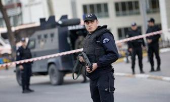 Еще семнадцать высокопоставленных чиновников и полицейских арестованы в Турции