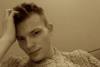 Новая звезда Facebook – британский парень, который вступился за мусульманку