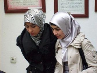 Тагут Каримов заставляет мусульманок обнажать аурат