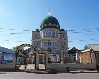 ДУМ Дагестана выборы имамов в мечетях на Котрова и Венгерских отставило общинам.