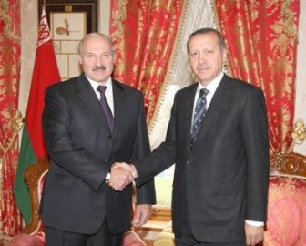 Беларусь лавирует между Россией и Турцией