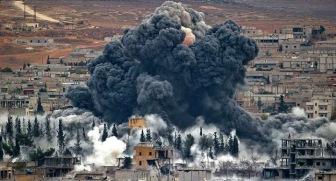 В Дейр эз-Зоре проходят бои, по Ракке наносятся авиаудары.