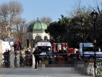 В туристическом центре Стамбула теракт. Сообщается о 10 погибших 15 раненых