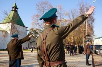 Почему московские суды должны охранять казаки?
