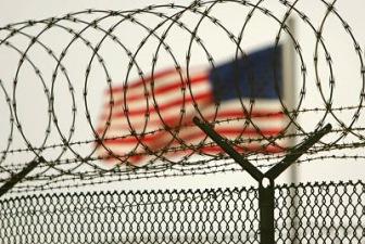 Американский президент обещает закрыть Гуантанамо. Снова.